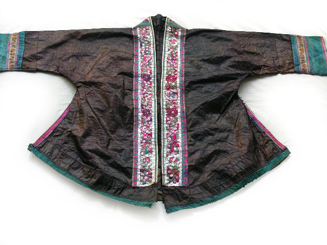 Old Chinese Tribal Dong Embroidered Jacket S5011 - Click Image to Close