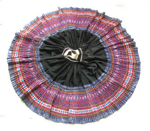 VINTAGE CHINESE MIAO PLEATED APRON SKIRT S7051