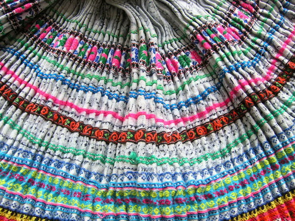 VINTAGE CHINESE MIAO PLEATED APRON SKIRT S7056
