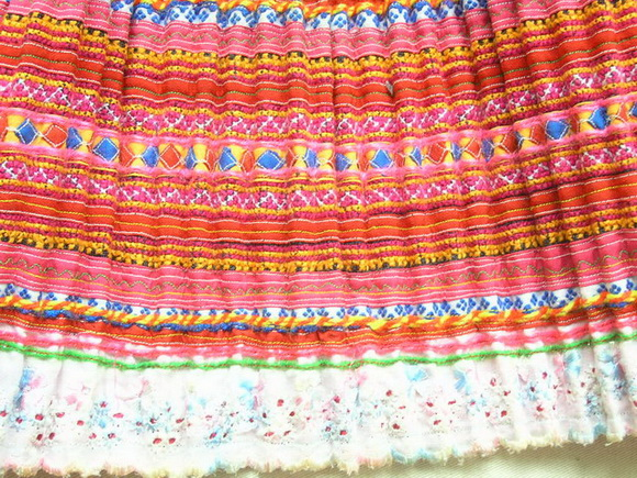 VINTAGE CHINESE MIAO PLEATED APRON SKIRT S7058