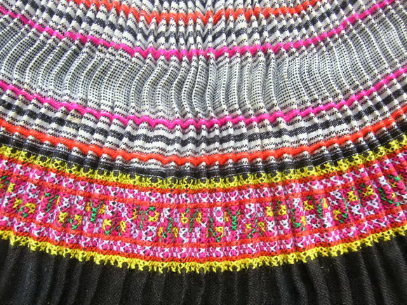 VINTAGE CHINESE MIAO PLEATED APRON SKIRT S7065
