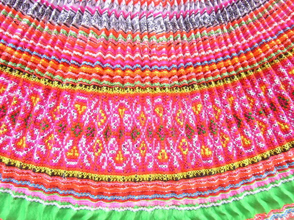 VINTAGE CHINESE MIAO PLEATED APRON SKIRT S7067