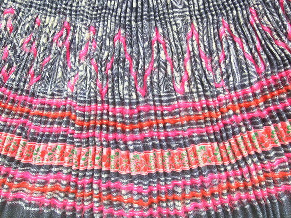 VINTAGE CHINESE MIAO PLEATED APRON SKIRT S7074